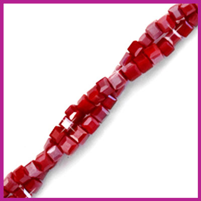 Glaskraal facet cube 2x2mm Red dahlia pearl shine