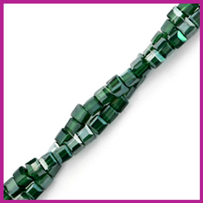 Glaskraal facet cube 2x2mm Forest green pearl shine