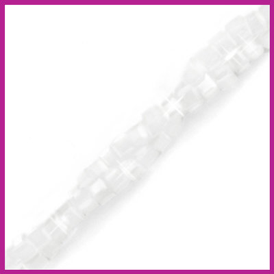 Glaskraal facet cube 2x2mm Bright white pearl shine