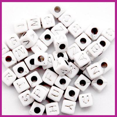 Letterkralenmix acryl blokje 5mm wit zilver