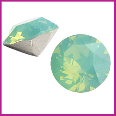 Swarovski puntsteen SS39 (8mm) Pacific opal
