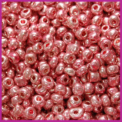Rocailles 6/0 (4mm) Dark antique pink metallic