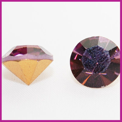 Preciosa puntsteen SS39 (8mm) Light Amethyst