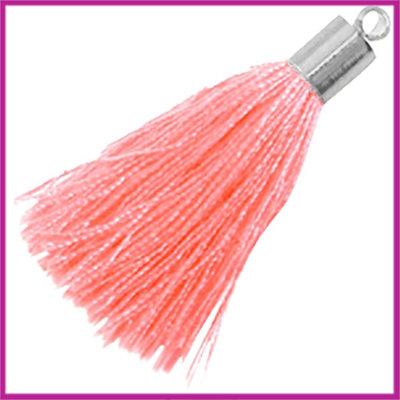 Kwastje met zilver eindkap ca.34mm Ligth carmone roze