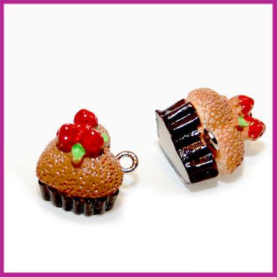 Kunststof cupcake hartje bruin met rood 14x14 mm
