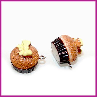 Kunststof cupcake bruin met gele strik 17x14 mm