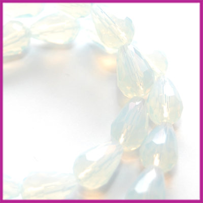 Glaskraal facet druppel 8x11mm White opaal