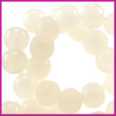 Glaskraal ø6mm opaal vintage Ivory yellow