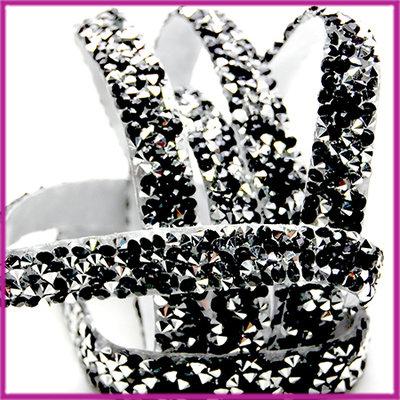 Trendy zelfklevend strass band 10mm zwart / zilver per 10cm