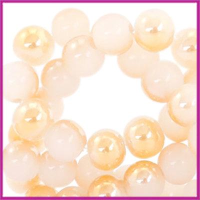 Glaskralen rond 6mm Off white-half rosé gold pearl shine coating