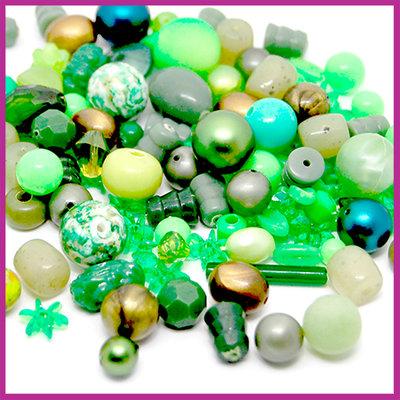Mix kunststof en glaskralen fluor groen