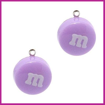 Kunststof bedel / hanger M&M snoepje paars
