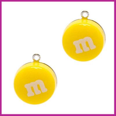 Kunststof bedel / hanger M&M snoepje geel