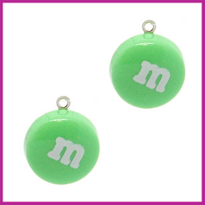Kunststof bedel / hanger M&M snoepje groen