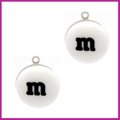 Kunststof bedel / hanger M&M snoepje wit