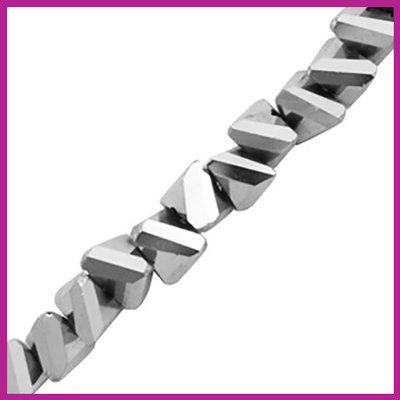 Glaskraal top facet triangle 6mm Labrador silver